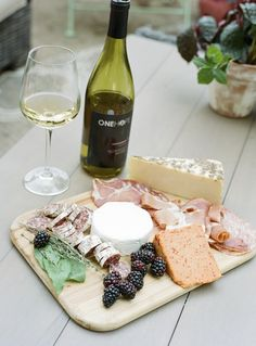 OneHope At Home Wine-Tasting Party For 1,000 Days | theglitterguide.com