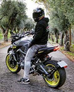 _ by & album from the Elena What's Your Dream Bike ? KTM Superduke 1290 R ! Credit goes to… Protective gear in spo Mt 09 Yamaha, Yamaha Fz, Yamaha Bikes, Moto Bike, Motorcycle Bike, Biker Photography, Hamamatsu, Biker Boys, Bike Reviews