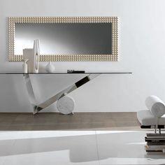 Cattelan Italia Consola Valentinox. Diseño Emanuele Zenere. Consola con base en acero inox brillo. Cilindro en mármol Travertino, negro Marquina o blanco.