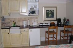 Very simple kitchen ideal for small granny flat. Photo Gallery of Westbury House