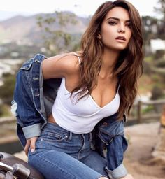 Sparkle Tafao serves up amazing hair and makeup style on the stunning Kyra Santoro using #Number4HairCare