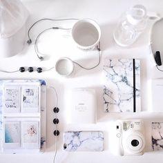 Desk necessities via @UONewYork. #UOonCampus