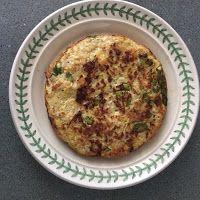 Smaakvol zonder zout: Frittata met weinig koolhydraten. Frittata, Low Carb Recipes, Eggs, Breakfast, Food, Low Carb, Morning Coffee, Egg, Meals