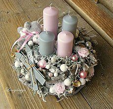 Håndlaget Nice Thing Twenty Krans - Lilly is Love Shabby Chic Christmas, Pink Christmas, Christmas Home, Christmas Crafts, Christmas Advent Wreath, Christmas Table Decorations, Christmas Candles, Home And Deco, Christmas Inspiration