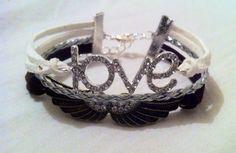 Bracelet love et ailes d'anges marron et blanc : Bracelet par mes-bracelets-shamballas