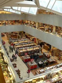 Bookstore: Akateeminen kirjakauppa, Helsinki, Finland, designed by Alvar Aalto Helsinki Things To Do, Places To Travel, Places To Go, Visit Helsinki, Scandinavian Countries, Alvar Aalto, Exotic Places, Bookstores, Libraries