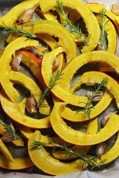 Dýně Pumpkin Recipes, Ratatouille, Stuffed Peppers, Vegetables, Fruit, Cooking, Ethnic Recipes, Food, Hokkaido