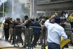 Director de la Policía defiende labor de agentes policiales ante protesta frente a la Procuraduría