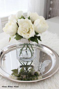 White peonies <3