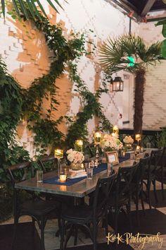 Charming Florida Wedding at Oxford Exchange Makes Sparks Fly - MODwedding