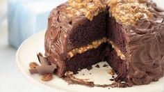 Gooey Caramel-Pecan Cake