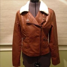 """Faux leather jacket w faux wool collar Forever 21   -  Barely worn - snaps do not """"snap"""", they are decoration. This jacket is light weight, great for layers. Forever 21 Jackets & Coats"""