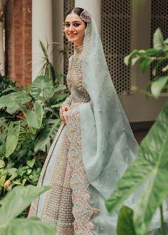 Desi Wedding Dresses, Asian Bridal Dresses, Indian Bridal Outfits, Pakistani Fashion Party Wear, Pakistani Bridal Dresses, Pakistani Engagement Dresses, Latest Bridal Lehenga, Bridal Dupatta, Stylish Dress Designs