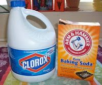 Homemade Mamas: Homemade Bleach Scrub - this really works! Just make sure to use a lot more baking soda than bleach (especially if you're using the new concentrated Clorax).