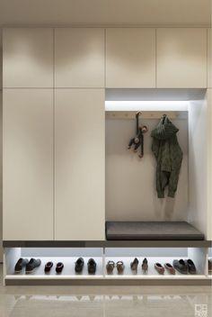 Entryway and Hallway Decorating Ideas eingang Stauraum Latest Cupboard Designs, Bedroom Cupboard Designs, Entryway Closet, Hallway Storage, Ikea Hallway, Closet Shelving, Entryway Bench, Storage Room, Hallway Tables