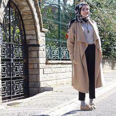 @rimelaskina annemin eski kazağı , 6 yıllık ayakkabı , vintage kolye oldies but goldies