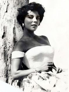 joan+collins+hot | Joan Collins The problem with beauty is that it's like being born rich ...