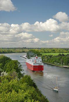 Traumschiffe im Nord-Ostsee-Kanal