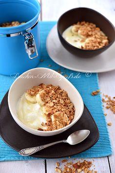 Knusprige, gebackene Haferflocken mit Kokosraspeln und Mandeln, gesüßt mit Honig, Agavendicksaft oder Ahornsirup. Je nach Vorliebe kann man noch die...
