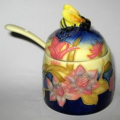 Old Tupton Ware Honey Pot & Spoon 'Yellow Bouquet' Discontinued Kids Curtains, Cool Curtains, Honey Container, Honey Jars, Yellow Bouquets, Honeypot, Bee Hives, Bee Jewelry, Bee Theme