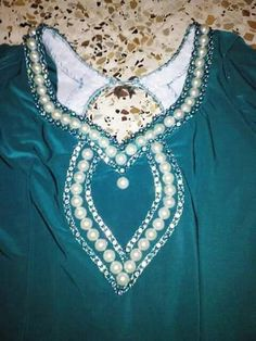 Kameez Traditional Dresses, Marie, Velvet, Tank Tops, Womens Fashion, Sewing, House Dress, Gowns, Models