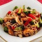 Kycklingwok med nudlar - Recept från Mitt kök - Mitt Kök | Recept | Mat | Bloggar | Vin | Öl Wok, Lchf, Japchae, Stir Fry, New Recipes, Stew, Fries, Spaghetti, Curry