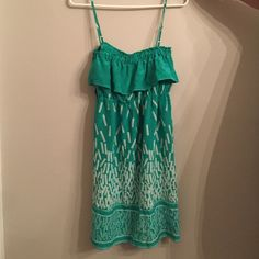 Yumi Kim silk dress Yumi Kim green silk sundress. 35 inches from top to bottom. Great condition Yumi Kim Dresses