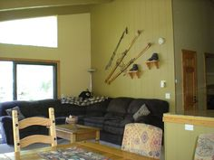 $1000  3 Bedrooms 2.5 Baths, Mammoth Lakes townhome