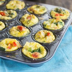 Make ahead breakfast quiches with spinach and feta. #breakfast #food