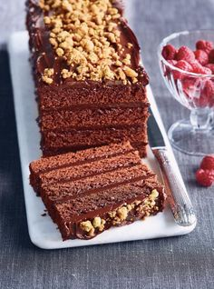 This rectangular layer cake is made using your trusty sheet-pan, and is layered with silky chocolate ganache and a pistachio crunch. A new holiday favourite! Christmas Chocolate, Christmas Log, Christmas Cakes, Christmas Recipes, Christmas Holidays, Christmas Ideas, Yule Log, Fall Wedding Cakes, Salty Cake