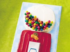 Some of the stand up cakes with fondant look better, but this one is SO easy!