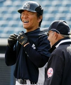 Hideki Matsui & Yogi Bera Yankees Baby, Damn Yankees, New York Yankees Baseball, Baseball Players, Baseball Teams, Baseball Photos, Mlb Teams, Sports Teams, Better Baseball