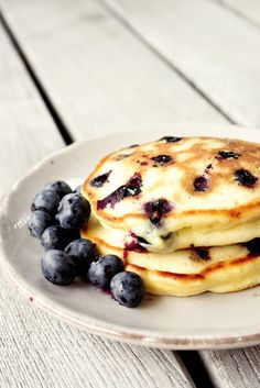 blueberry yogurt pancakes #breakfast