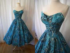 Items similar to Stunning Alfred Shaheen turquoise novelty print strapless new look dress vlv tiki pin up girl - size Small to Medium on Etsy Vintage Inspired Dresses, Vintage Style Dresses, 50s Dresses, Nice Dresses, Vintage Outfits, Vintage Clothing, Hawaiian Wear, Hawaiian Dresses, Vintage Hawaiian