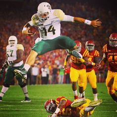 In case you missed it: Bryce Petty's incredible flying hurdle during the Baylor-ISU game. (Final score: 49-28) #HeismanHurdle #PettyLeap #PettyHops #14in14 #SicEm // Via @bayloruniversity on Instagram