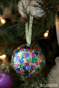 Sequin Ornaments....so pretty and easy to make, time consuming, but easy.