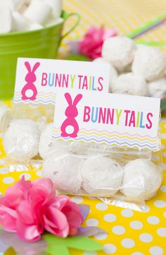 Perfect for moms in a rush, you can make use and make this free Easter printable bunny tails favor in minutes and be the party favor hero this Easter!