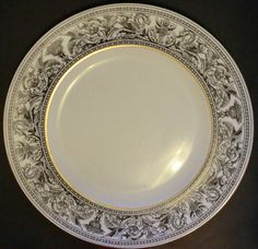 "Wedgwood Florentine Black White & Gold 10-3/4"" Dinner Plate Bone China England"