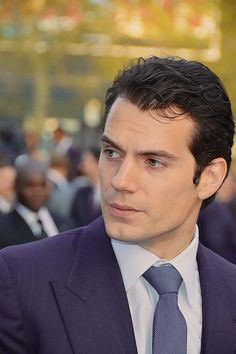 Henry Cavill wanting a kiss
