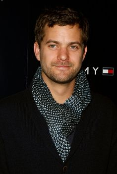 Joshua Jackson. Another hottie :)