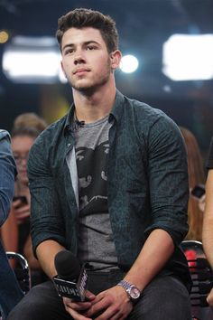 Carmen ~ 22 ~ Italy Welcome to NickJBlog; dedicated to the sexy, talented and charming Nick Jonas I...