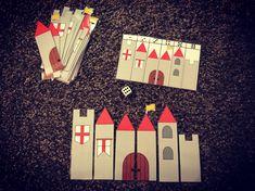 Construire le château en fonction de ce qu'indique le dé.  Seul on à plusieurs Chateau Moyen Age, Edd, Paper Toys, King Queen, Middle Ages, Knight, Fairy Tales, Château Fort, Animation