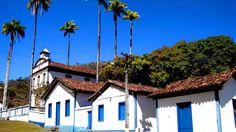A Vila do Biribiri foi fundada em 1876 por Dom João Antônio dos Santos e sua família, para abrigar uma indústria têxtil. Com a construção da fábrica mulheres pobres do Vale do Jequitinhonha, eram beneficiadas com emprego.