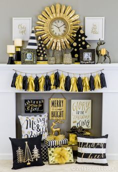 Add pops of gold and glitz to your holiday decor this season for an ultra luxurious look that's modern and merry!