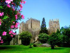 "Centro Histórico de Guimarães - ""Cidade Berço"" Património Mundial da UNESCO - 2001 http://whc.unesco.org/en/list/1031"
