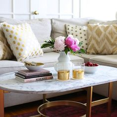 Great 134 Coffee Table Styling Ideas http://pinarchitecture.com/134-coffee-table-styling-ideas/