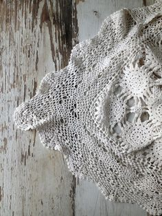 crochet inspiration Thread Crochet, Knit Crochet, Craft Show Ideas, Crochet Tablecloth, Crochet Home, Vintage Crochet, Crochet Patterns, Crochet Ideas, Cushion Covers