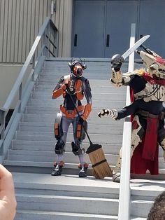 Destiny Warlock with Thunderlord (Cosplay) - Imgur