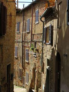 Uma ruela típica de Volterra