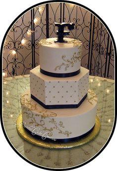 Ivory Wedding Cake, Black Wedding Cakes, Gold Wedding, Dream Wedding, Gatsby Wedding, Wedding 2015, Black And Gold Birthday Cake, Black And Gold Theme, Wedding Cake Designs